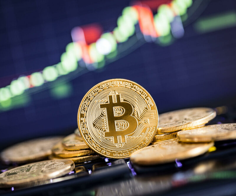 Bitcoin Looks for Price Support After Failed $10K Crossover